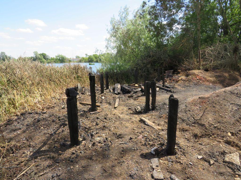 whelford-pools-burnt-hide-4c-gloucestershire-wildlife-trust